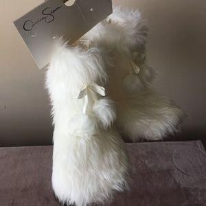 Jessica Simpson Faux Fur Yeti Slippers - Sz XL